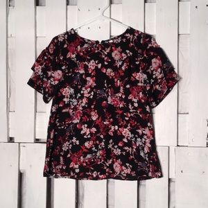 Xhileration Black Red Floral M Ruffle Top Blouse